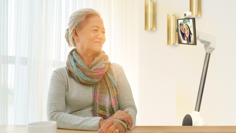telepresence_robot_grandma_talking.jpg