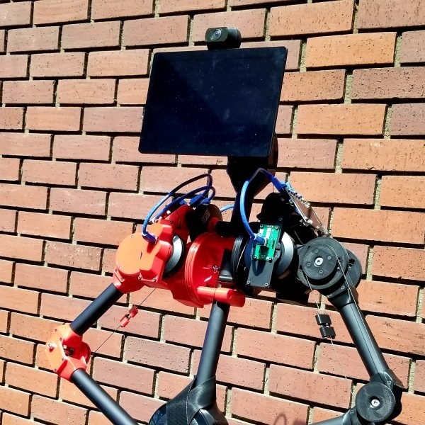 OhmniLabs-RD-built-on-top-of-Dev-Kit-Outdoor-Angle-600x600